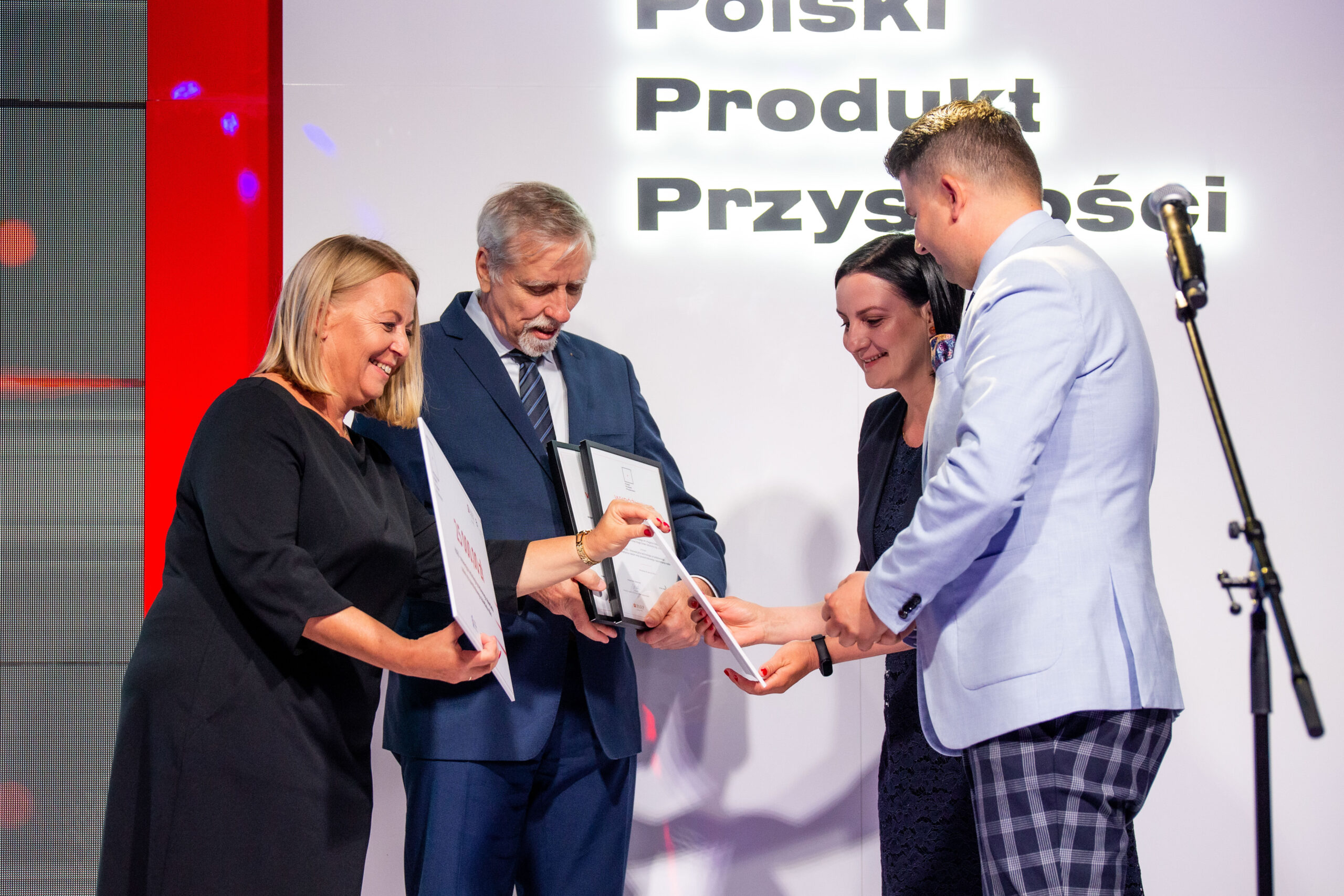 """Success of the UNIVERSITY OF AGRICULTURE IN KRAKOW and the HUGO GREEN SOLUTIONS spin-off in the """"Polish Product of the Future"""" competition!"""